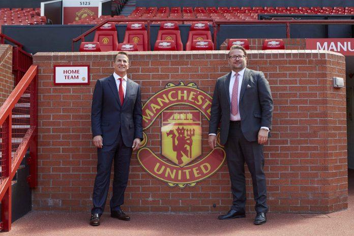 Brand Kohler Nempel di Jersey Manchester United