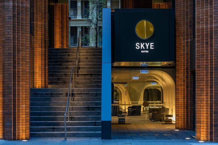 SKYE Suites Sydney dan Afterpay Australian Fashion Week