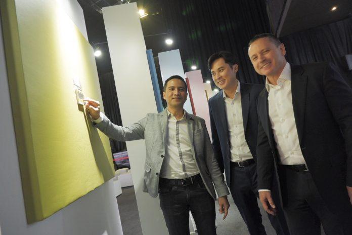sakelar AvatarOn dan WISER wireless smart home system