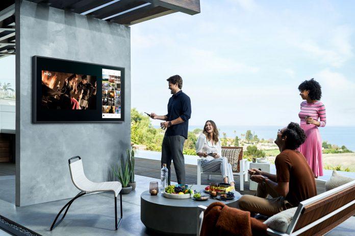 The Terrace, Smart TV Outdoor