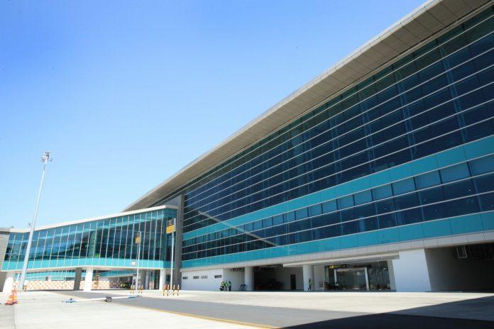 Eksterior Bandara Internasional Yogyakarta dilapisi oleh AkzoNobel Performance Coatings Indonesia