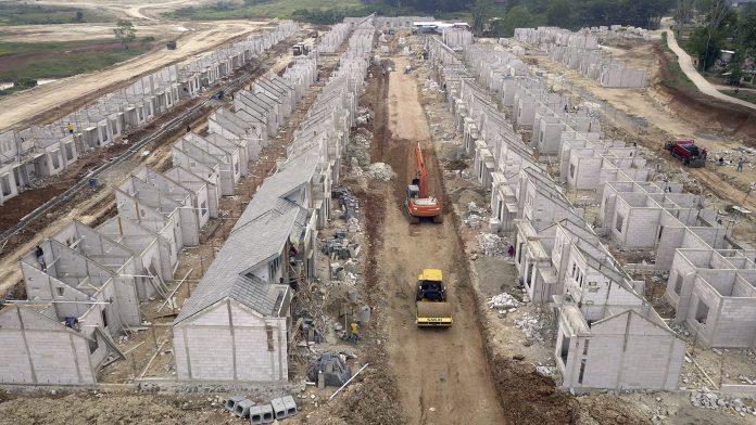 pembangunan properti modernland cilejit