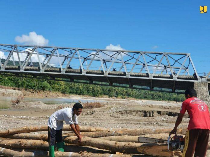 Jembatan Bailey Waiburak, Adonara, Flotim
