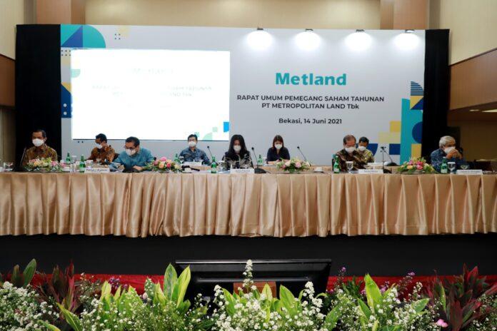 Jajaran direksi dan komisaris PT Metropolitan Land Tbk menggelar RUPST Metland