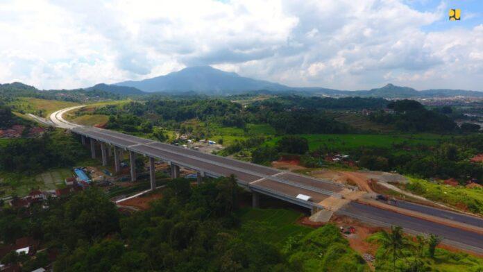 Tol Cisumdawu rampung akhir 2021