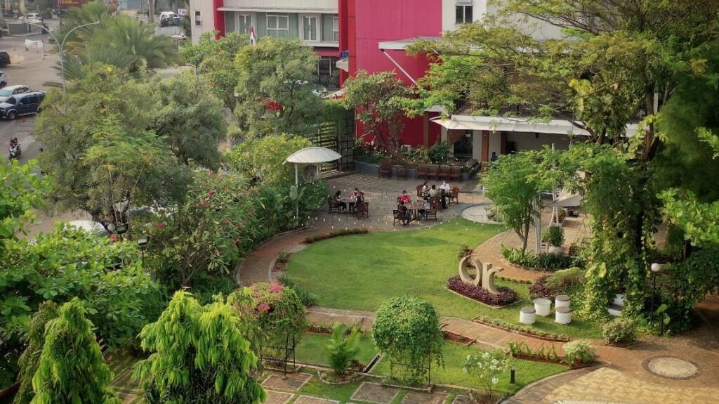 Umah Kebon di Metland Hotel Bekasi